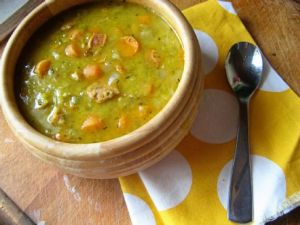 dutch-food-erwtensoep-met-ham-pea-soup-with-ham